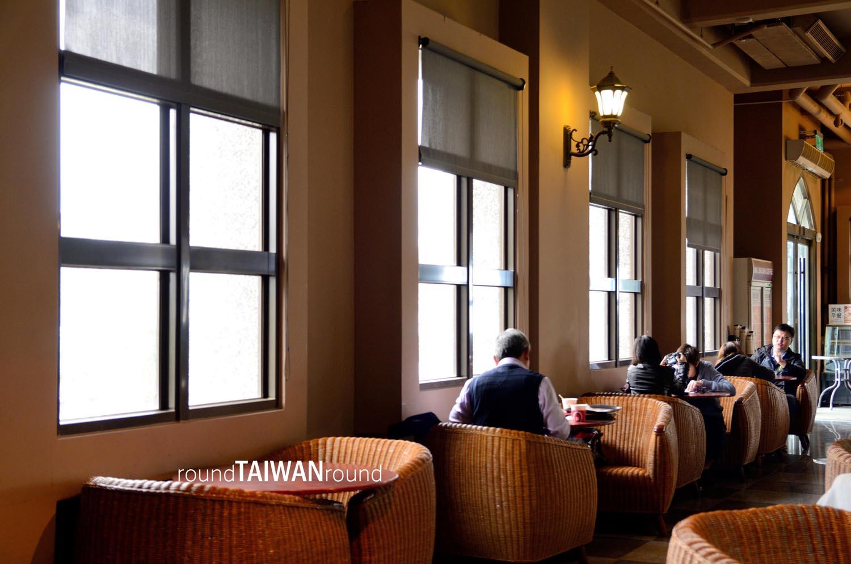 mr. brown castle café | round taiwan round